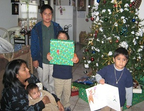2010-FPC.ChristmasGiftGiving 001